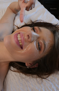 Isabel Moon Swallowing Cum From Face