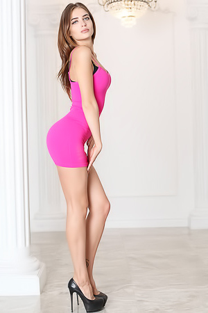 Casting for sexy Karla in pink dress