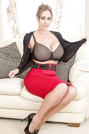 Secretary Eva Notty reveals her huge melons