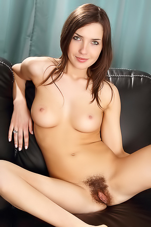 Yulianna Yulis is showing her hairy pussy