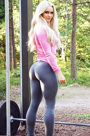 Sporty blonde Anna Nystrom