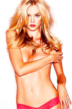 Hot model Lindsay Ellingson