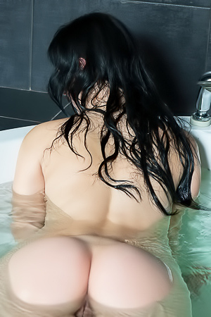 Cute Amateur Brunette Taking Bath