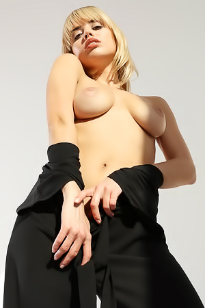 CASTING Sexy Blond  Margot