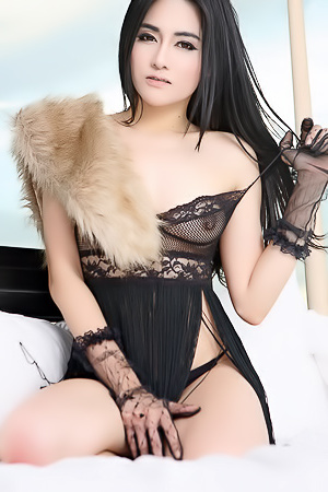 Kinky Asian Namfa Strips Topless