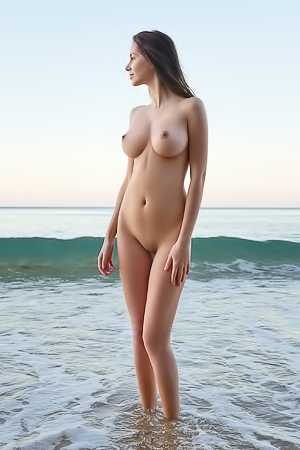 Busty Alisa I Strips Naked On The Beach