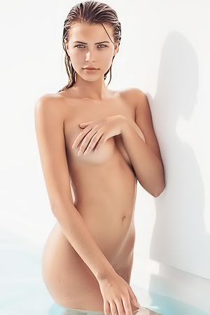 Amazing Sandra Kubicka exposing her gorgeous body for us