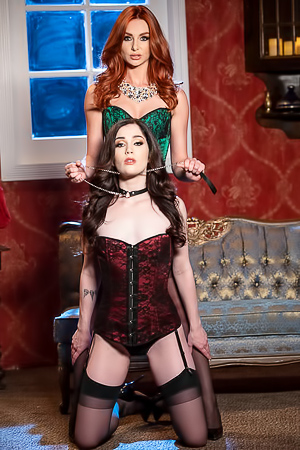Submissive Lesbians Lacy Lennon & Evelyn Claire