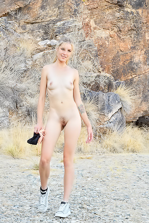 Naked Mazzy FTV works out in the local park