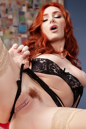 Redhead Lacy Lennon Cant Resist A Seductive Footjob