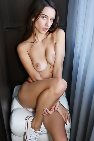 Teen Model Sophia: Incredibly Sexy