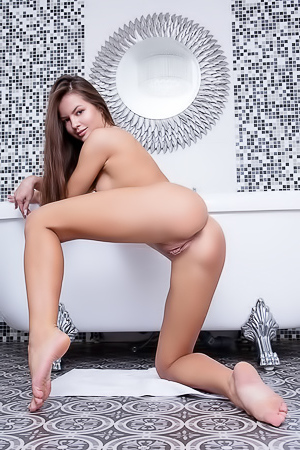 Astonishing brunette Viva Fleur