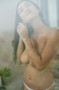 Hairy Beauty KAHLISA Playing With Shower
